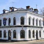 The Harpenden Arms - Sunny pub