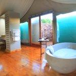 Deluxe tented suite bathroom
