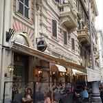 Ris Cafe.