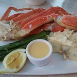 """Oyster and  alaska dungeness crab's leg at Elliot""""s"""