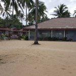 Photo de Koh Mook Charlie Beach Resort
