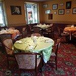 salon privatif  pour repas d'affaire , familiaux  anniversaire bapteme jusqu'à 25 personnes