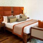 Maradiva Villas Resort and Spa Photo