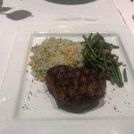 Tenderloine Steak mit Reis und grünen Bohnen