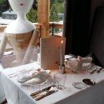 Blick aus dem Restaurant, Tisch gedeckt zum Gala-Dinner