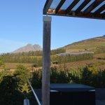Clouds Wine & Guest Estate-bild