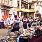 Domingos - Desayuno Buffet  y Bailes regionales