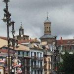 Torres de San Saturnino desde la plaza del Castillo