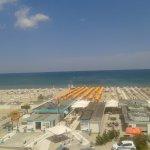 Panaroma da solarium e da camere rivolte al mare