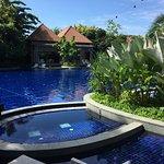 Photo de Resort World Sentosa - Beach Villas™