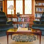 Common Area - Book Nook