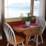 Common Area - Breakfast Nook