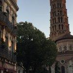 Hôtel plein de charme, vraiment bien situé avec une vue sur la Basilique idéale . Rapport qualit