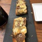 Mein Favorit: Kalbfleisch-Zwiebeln-Käse auf Baguette