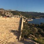 Yakındaki Helenistik Tiyatro