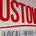 Gustowave - local wine food art