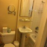 Petite Suite Rm. 401
