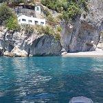 Photo de Amalfi Marine Day Tours