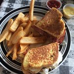 Croque Monsieur (French Grilled Cheese)