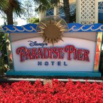 Paradise Pier Hotel - Disneyland
