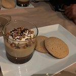 Caramel Pot de creme with sugar cookies