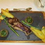 Taverna Sirloin Steak and garlic mushroom with wedges
