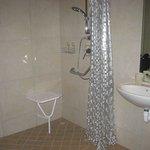 Molo room - bathroom