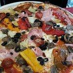 PIZZA ZINGARA CON SALAMINO PICCANTE