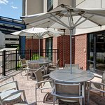 Flexible spaces to relax or meet. Enjoy our outdoor patio and soak in the Midwest sunshine.