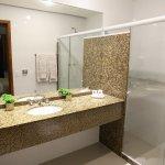 Banheiro dos APARTAMENTOS STD E LUXO