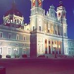 Photo de Petit Palace Tres Cruces Centro