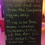 Foto de Vivaro Wine Bar