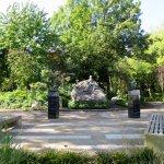 Photo de Monument to Oscar Wilde