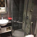 浴室小而巧