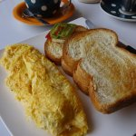 Omelette with toast and coffee
