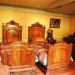 Oscar Wilde - interiors of the room