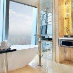 Bathroom - Fortune Room 福瑞客房-浴室