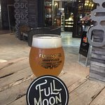 Full Moon Brew Work의 사진