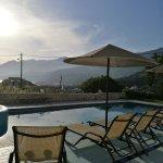 Photo de Anthos Apartments