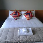 Deluxe Suite with Queen Bed and Single Bed
