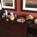Best Western Premiere-Nicollet - Burnsville, Minnesota - Exec Level Breakfast Cart