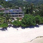 Photo de Crown Beach Hotel