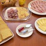 Salato con alcuni prodotti tipici della Sicilia ...