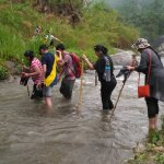 Crossing the river on the way to Majitar during the trek