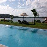Kalla Bongo Lake Resort Photo