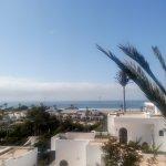 La plage, vue du restaurant.