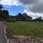 Photo de Lakeshore Lodge at Caragh Lake