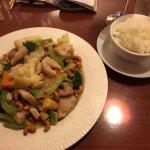 Отличный ресторан, огромные порции, персонал очень приветливый, мы остались довольны!