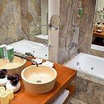 cazare_hotelulmeu_4_751564_large.jpg