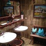 zelfs de damestoilet is een bezoekje waard!